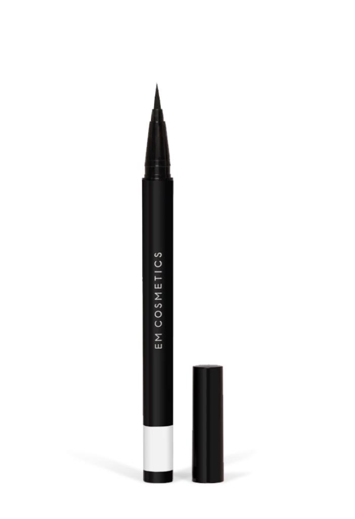 Brush Tip Illustrative Eyeliner in Black