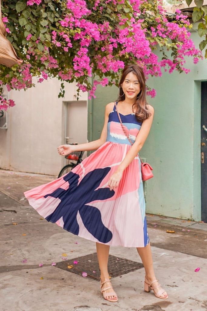 Neonmello Colette A-Line Abstract Pleated Midi Dress
