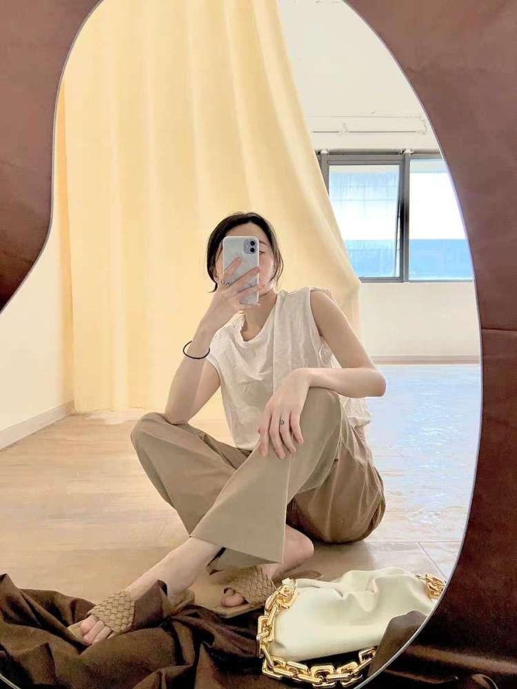 Organic shaped mirror